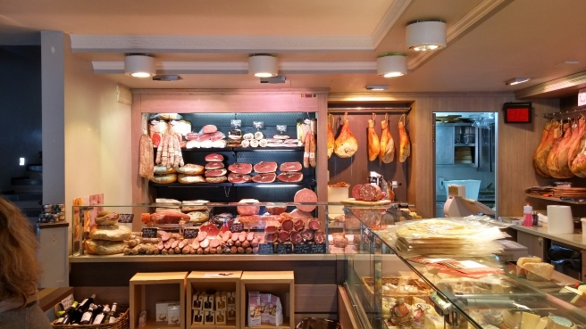 - Ancona - a gastronomia with regional salumi, prosciutti and cheeses -