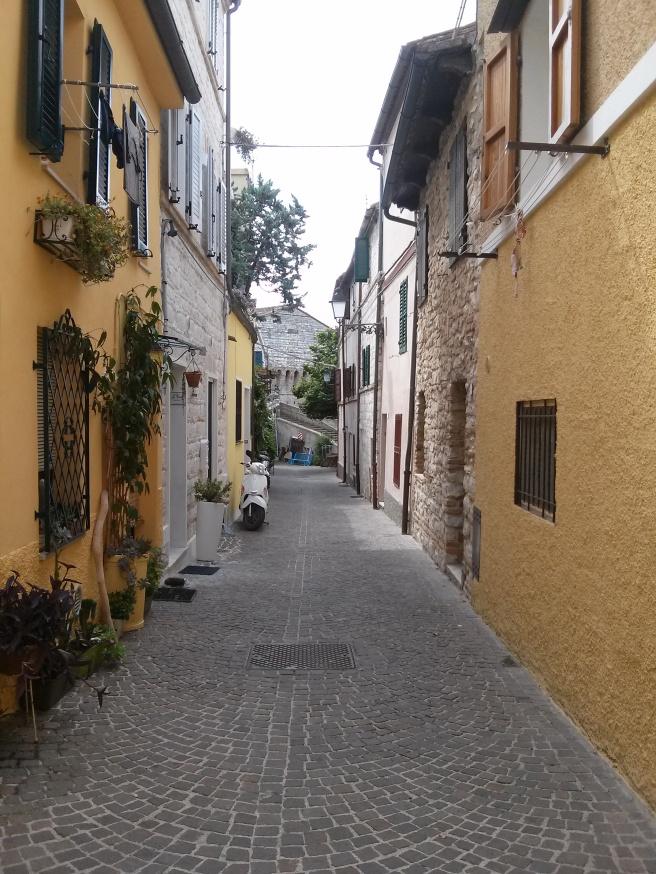 Sirolo - one of the many quaint vicoli