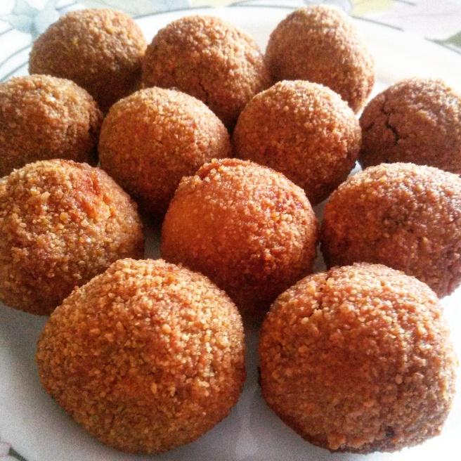 - le olive ascolane - a regional finger food/appetiser -