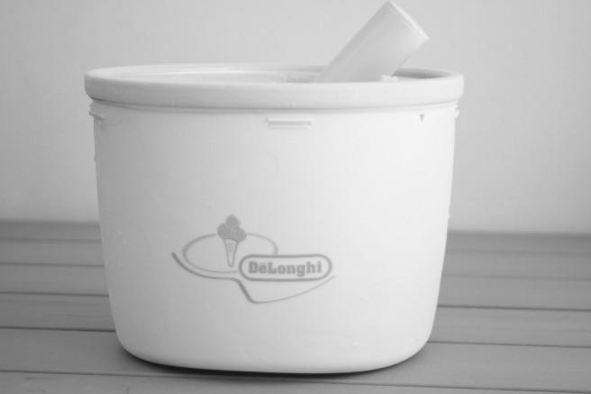 - a pre-freeze ice cream maker -